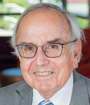 Dr. Art Cyr, Clausen Distinguished Professor of Political Economy and World Business.