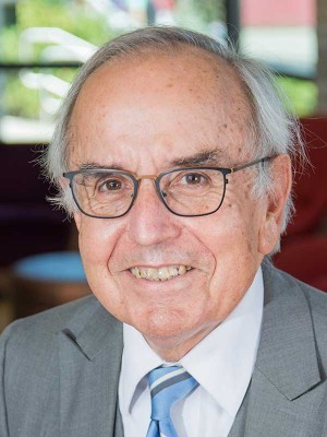 Dr. Art Cyr, Clausen Distinguished Professor of Political Economy and World Business at Carthage College
