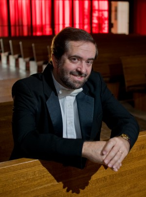 Dr. Eduardo Garcia-Novelli; Director of the Carthage Choir